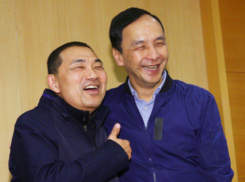 新北市長侯友宜(左)對國民黨主席選舉不作表態,與朱立倫(右)的關係也引發外界聯想。圖/聯合報系資料照片