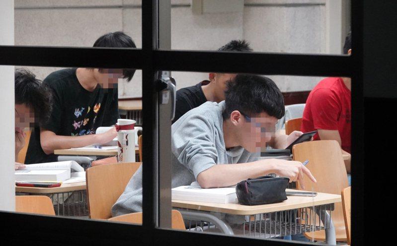 大學教授是否該接受學生評分,一直是兩難爭議。圖為示意圖。圖/聯合報系資料照片