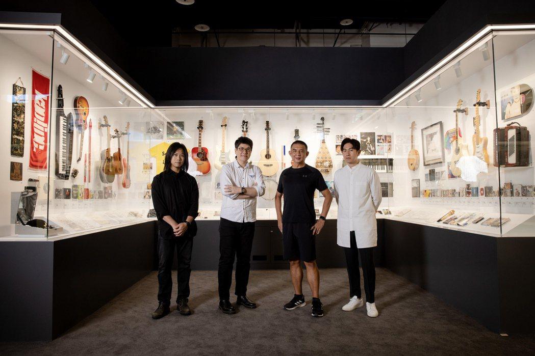 五月天瑪莎(左起)、馬世芳、李明道和梁浩軒一起策畫「唱 我們的歌 流行音樂故事展
