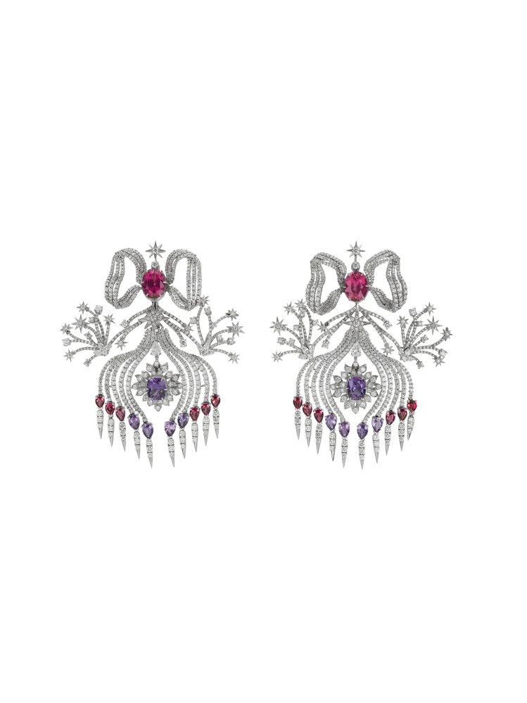 GUCCI歡愉花園「玫瑰花園」系列淡紫色粉紅色尖晶石白金鑲鑽耳環,約625萬元。...