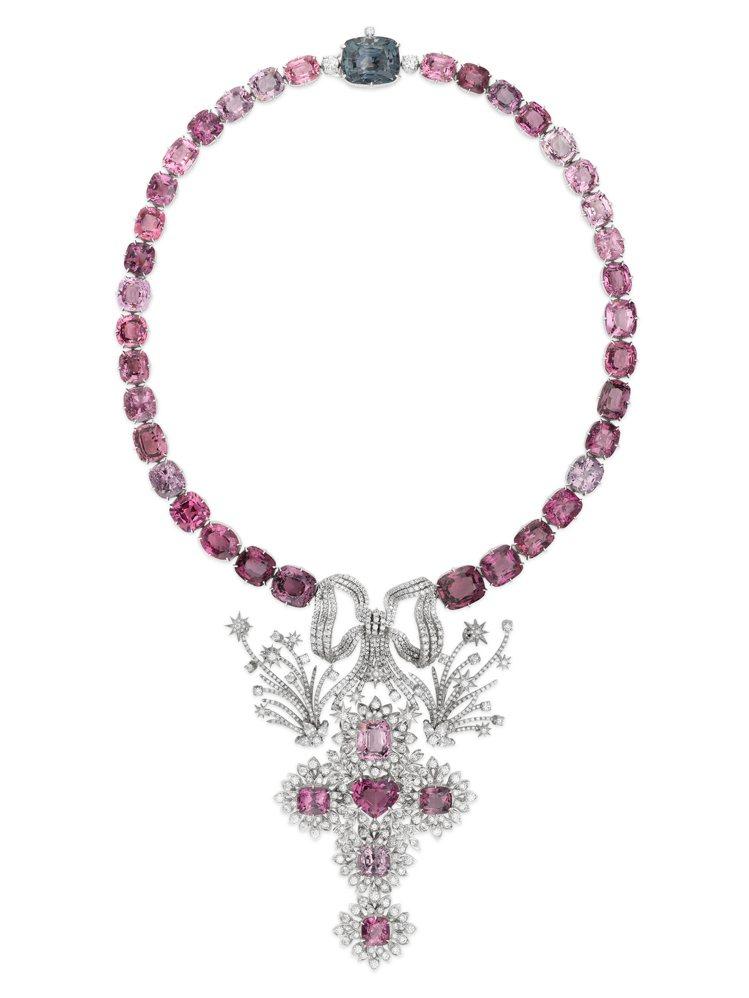 GUCCI歡愉花園「玫瑰花園」系列淡紫色粉紅色尖晶石白金鑲鑽項鍊,約1,350萬...