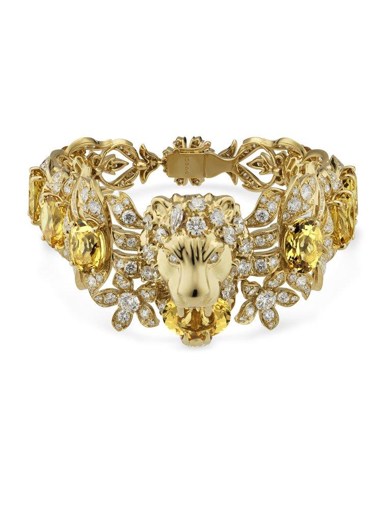 GUCCI歡愉花園「動物王國」系列黃色綠柱石獅頭黃金鑲鑽手環,約450萬元。圖 ...