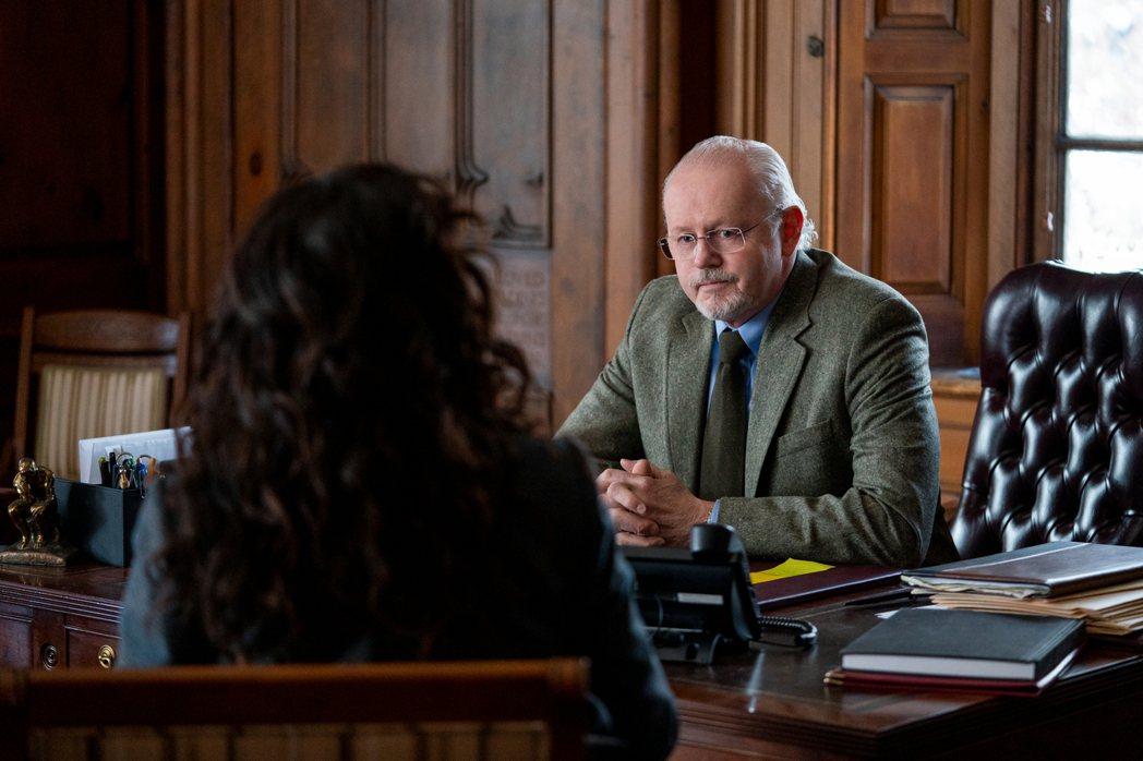 大衛摩斯在「叫她系主任」飾演院長,他多年前曾來台演出驚悚電影「雙瞳」。圖/Net...