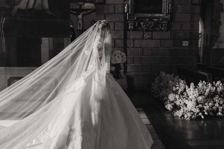 Jasmine Tookes身穿絕美的Zuhair Murad婚紗出嫁。圖/取自...