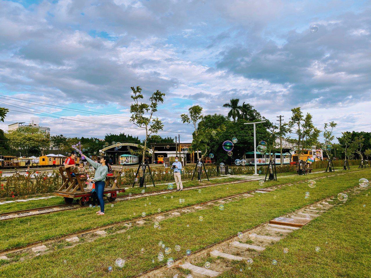新營鐵道文化園區融入糖鐵文化特色。 圖/台南市政府都發局提供