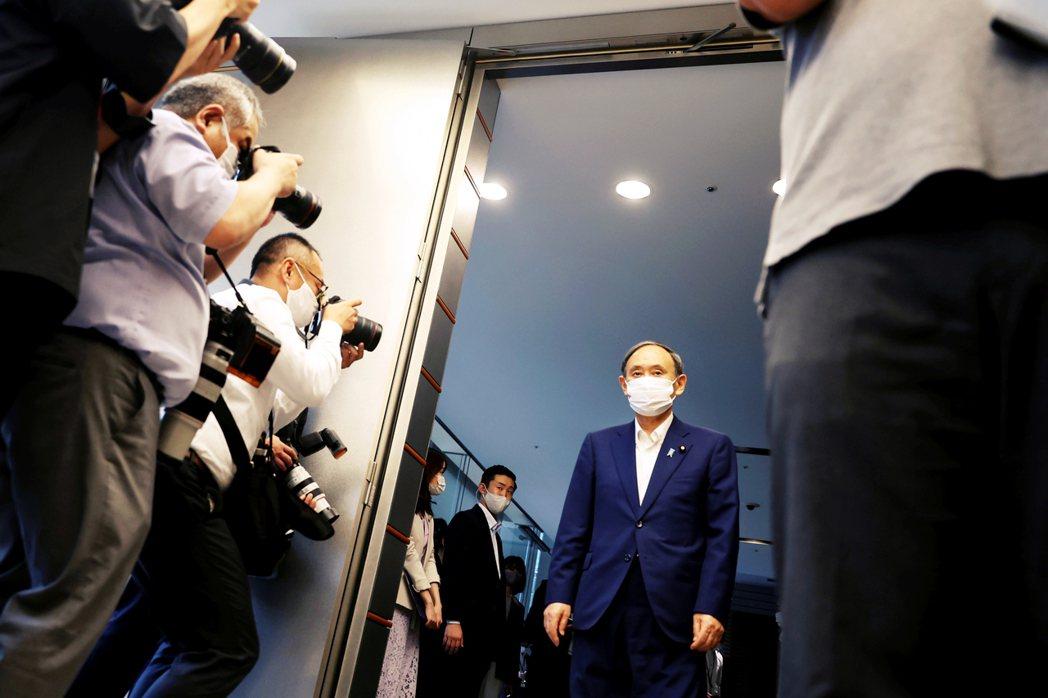 圖/美聯社:日本首相菅義偉9月3日突然對外宣布「放棄連任」退出自民黨總裁選,藉此...