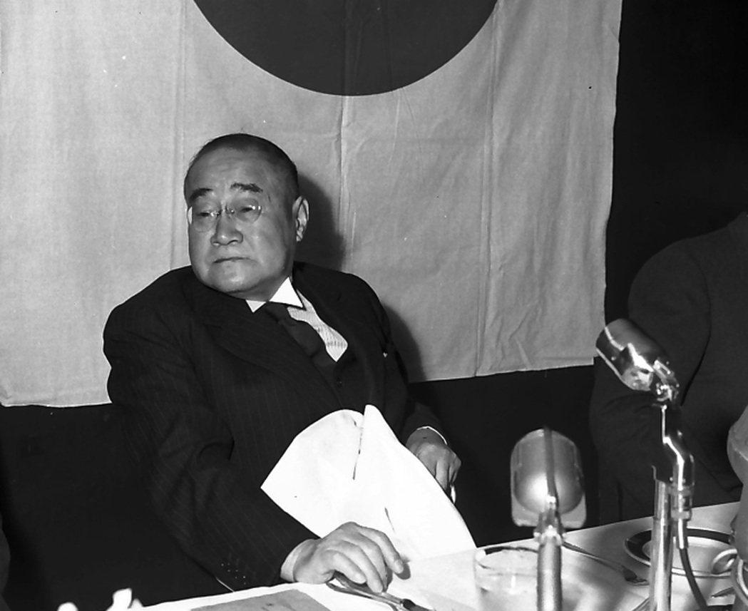 日本戰後關鍵的首相吉田茂,為大日本帝國憲法下的最後一任首相(1946-1947年...
