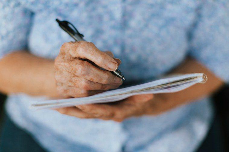 長輩隨著年齡越長,記憶力越差,這是一個正常老化的過程;然而有一些人,卻是因為環境...
