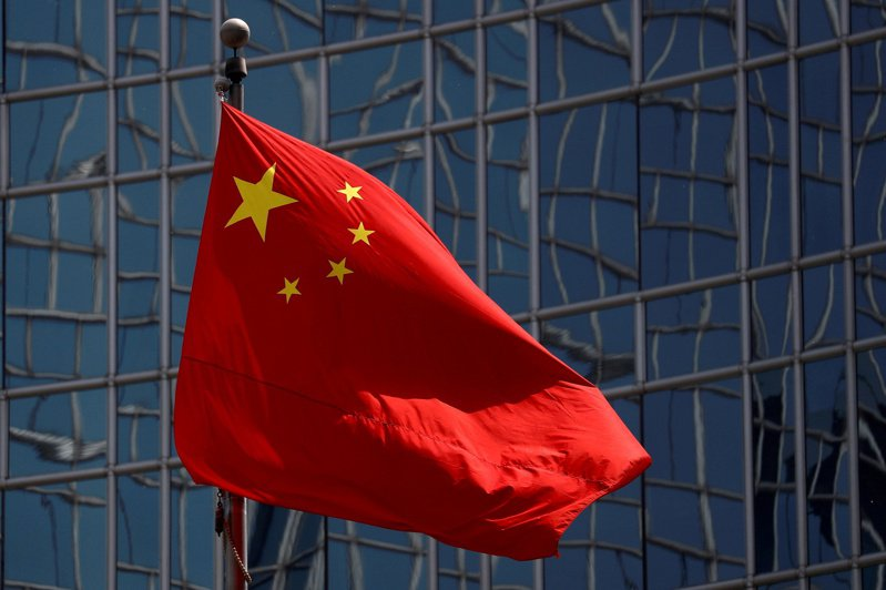 中國大陸對外關係正在變化中,由於美中爭霸,美國不僅與中國正面對抗,也企圖爭取周邊國家一起抗中。 路透
