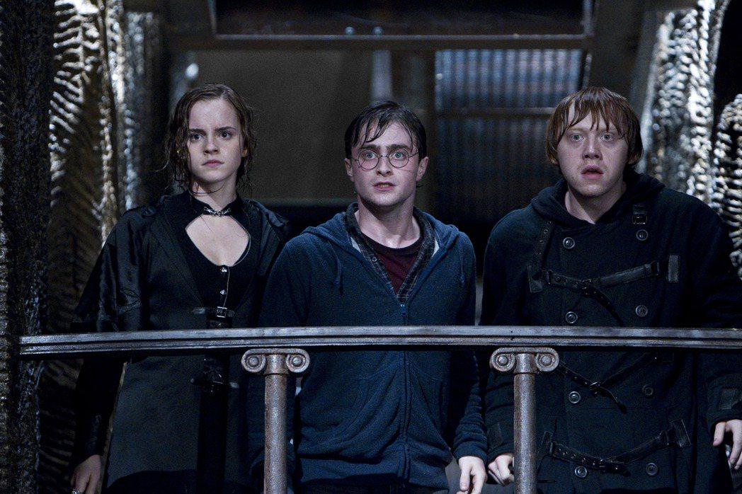 丹尼爾雷德克里夫(中)認為「哈利波特:死神的聖物Ⅱ」純以觀賞角度最讓他喜愛。圖/...