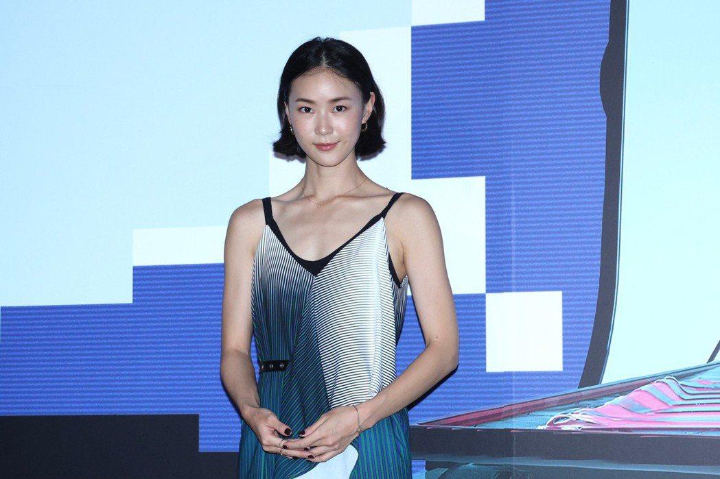 鍾瑶主演短片「關係暴力」,在片中飾演遭受姚淳耀情緒勒索的年輕妻子。記者王聰賢攝