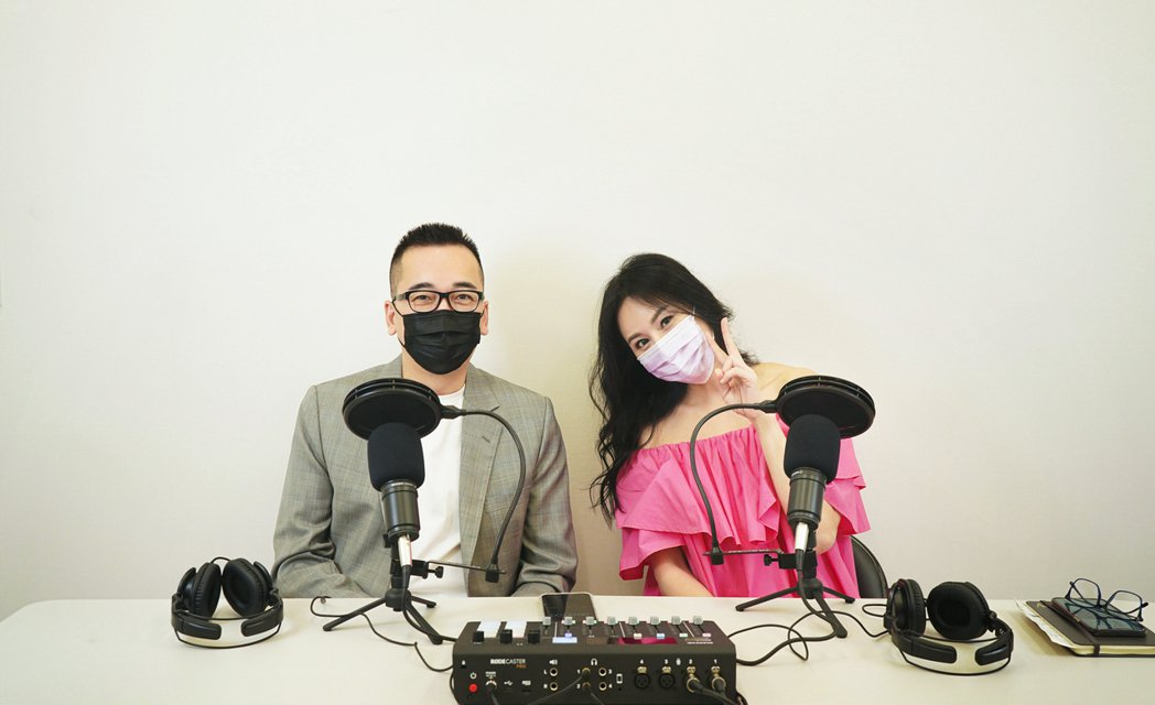 凱渥大師姊洪曉蕾開Podcast,前夫王世均(左)又當首集來賓。圖/凱渥提供