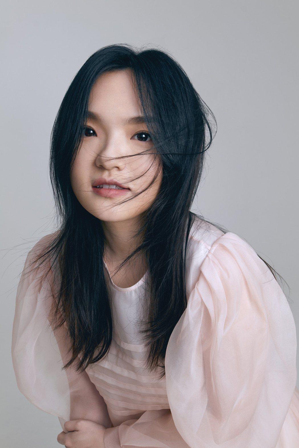 徐佳瑩昨晚快閃直播,並推出新歌「雛形」。圖/亞神音樂提供