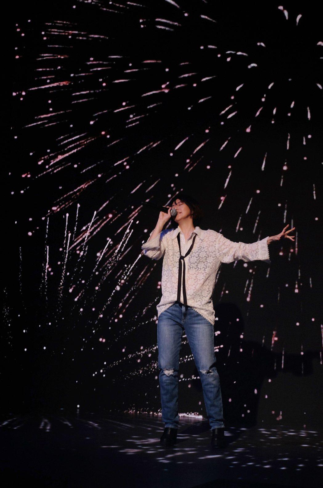 孫燕姿曾被網友說是冷門歌手,開唱幽默回應「這個歌手不太冷」。圖/MAKE / M...