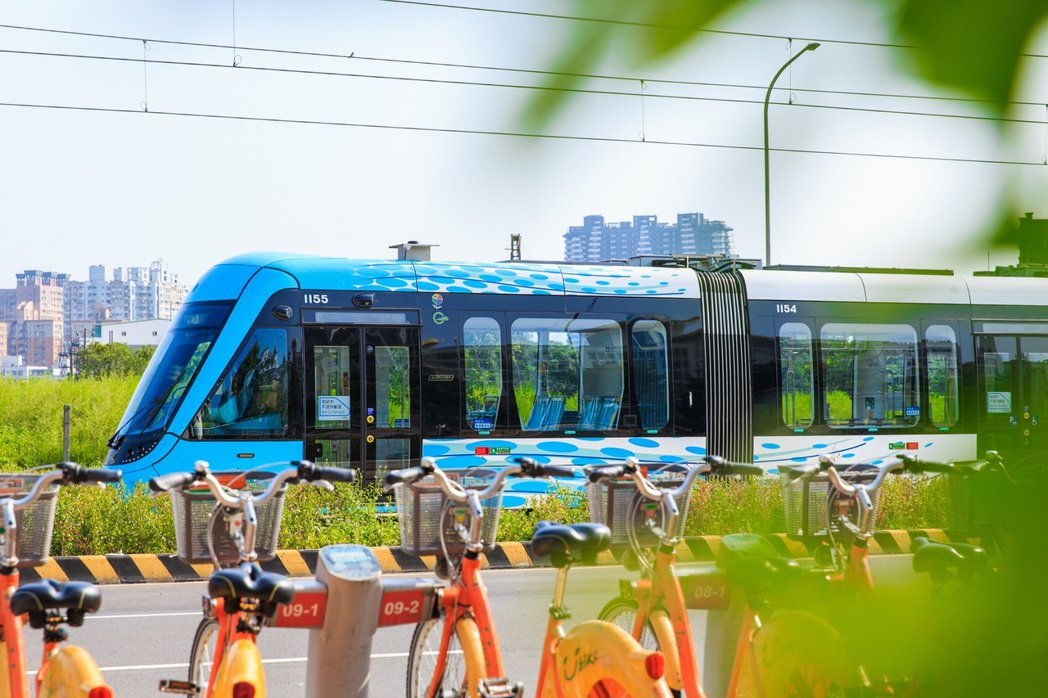 淡海輕軌改寫淡水核心地段,也帶來買氣,成為北台灣首個輕軌開通的首購熱區,用軌城洗...