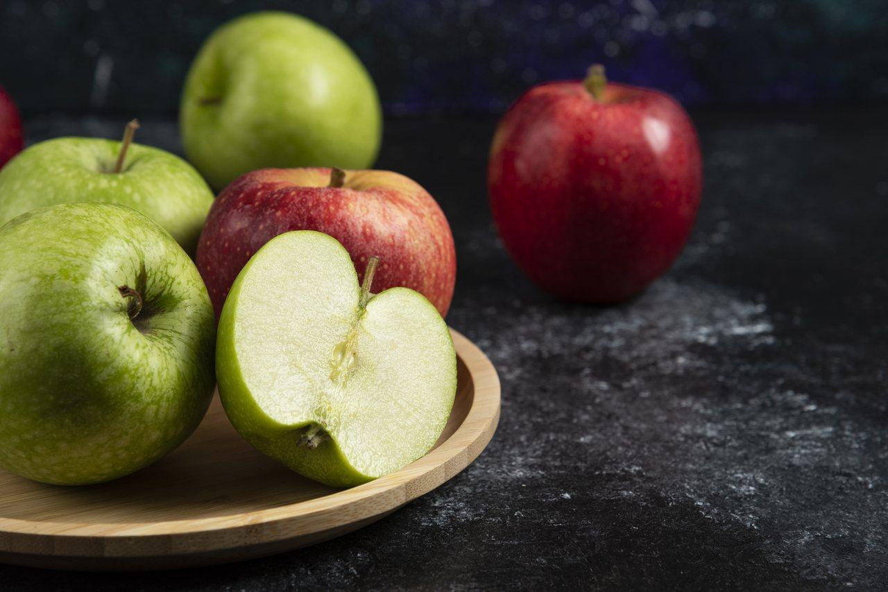 不同顏色的蔬果所富含的植化素也會有所不同。 圖/freepik
