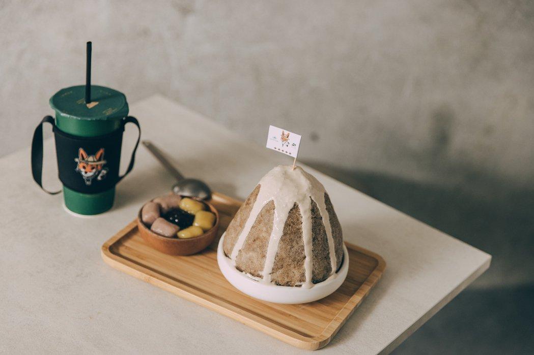 八時神仙草本次也推出聯名設計冰品「仙紅奶茶雪花盛盤」,期間限定登場。 圖/八時神...