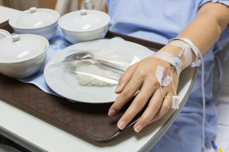 新冠病毒肆虐,症狀多樣化,不少染疫患者除了感冒症狀外,還可能會突然失去嗅覺,或常...