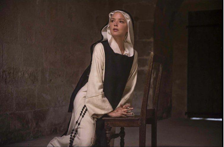 荷蘭名導保羅范赫文的禁忌新作「聖慾」,挑戰修道院女女情慾,將在高雄電影節播映。圖...