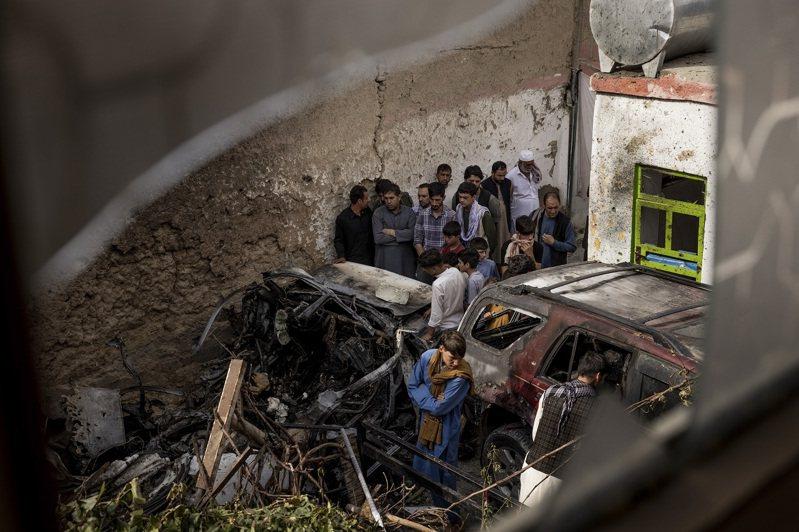 美軍於8月29日在阿富汗喀布爾發動無人機空襲,宣稱炸死一名ISIS-K嫌犯,聲稱此人開著裝入炸彈的汽車,準備對喀布爾機場發動第二次恐攻,但紐時獨家蒐集證據提出諸多質疑。紐約時報