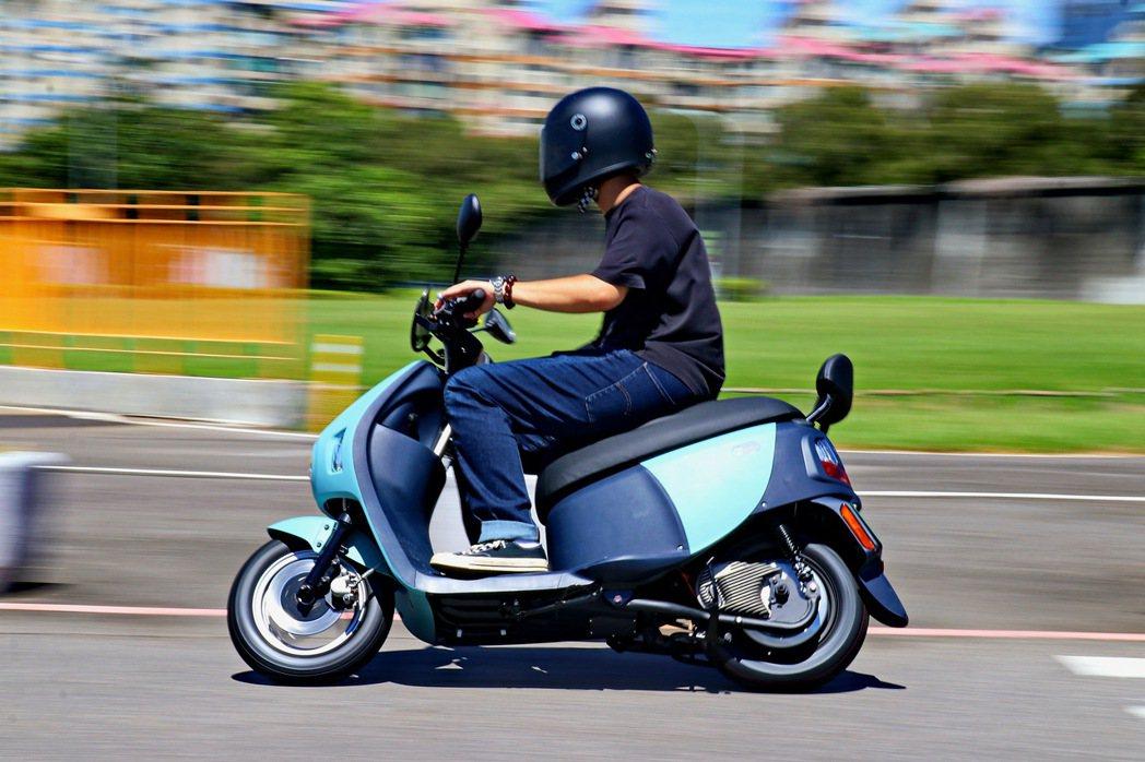 EZ1擁有輕快靈巧的騎乘感受。 記者陳威任/攝影
