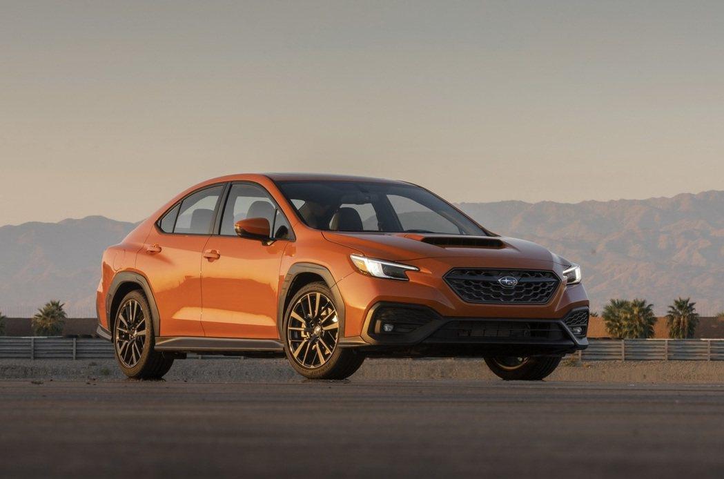 全新Subaru WRX同樣以銳利的六角形水箱罩搭配招牌開孔引擎蓋。 摘自Sub...