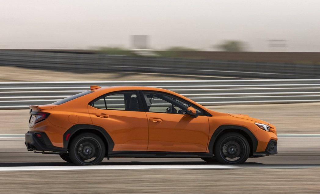 六速手排為附帶粘性限滑差速器中差的AWD版本;而SPT變速箱的AWD系統使用VT...