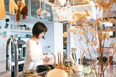 飲食生活作家葉怡蘭嘗試以線上課程,分享生活美學。圖/本報資料照片。