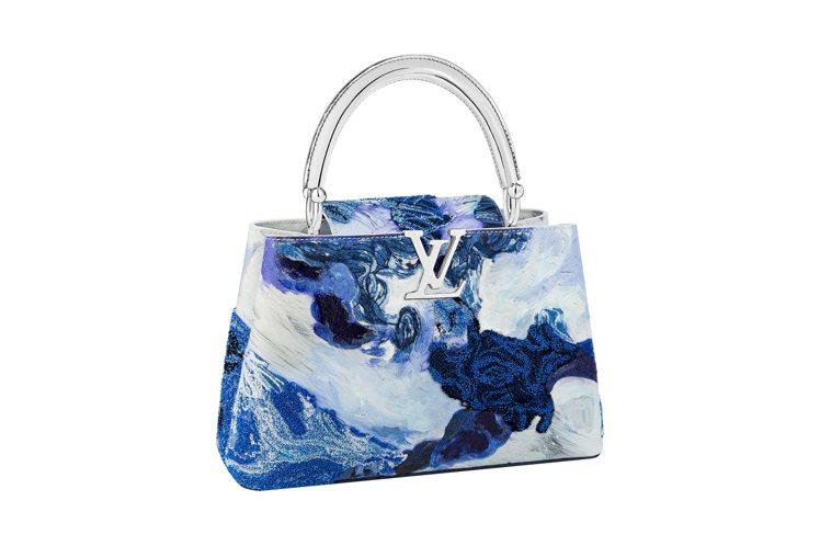 Donna Huanca觸感豐富的手繪刺繡與穿環設計。圖/路易威登提供