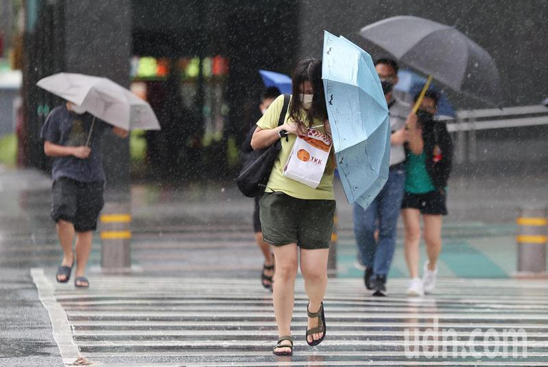 璨樹颱風上周擾台,帶來強風豪雨。記者余承翰/攝影