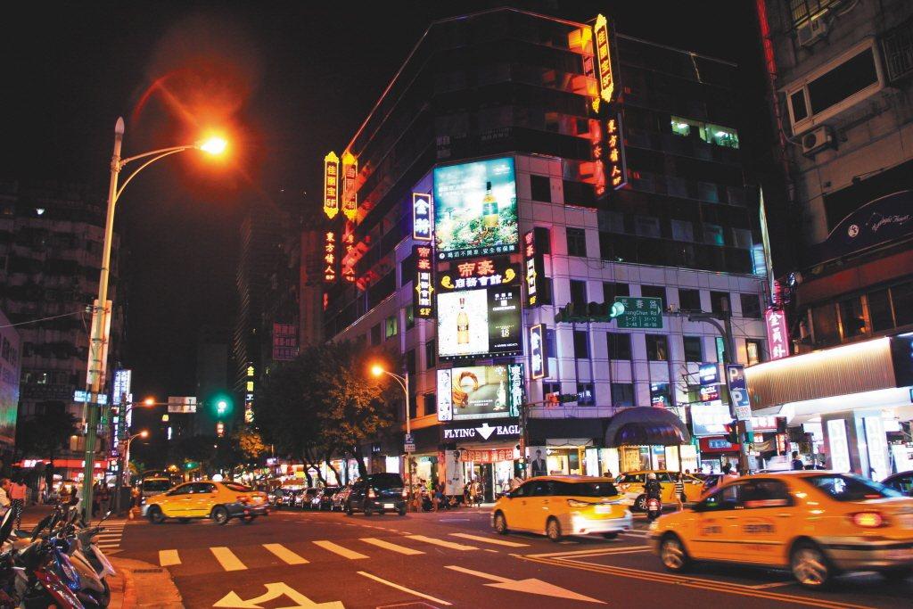 圖為台北林森北路一帶的酒店。 圖/聯合報系資料照片