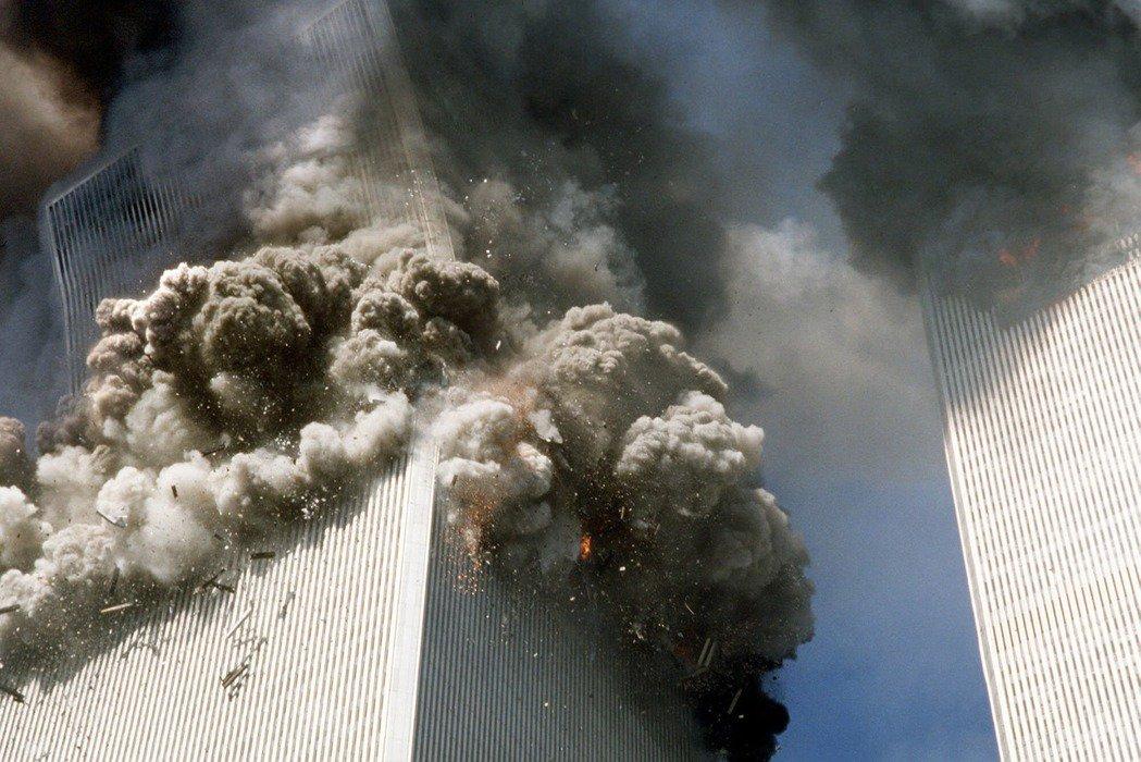 當年911的恐攻震撼,雖然嚴重破壞了以世貿為地標的曼哈頓金融區,但以重建、保險賠...