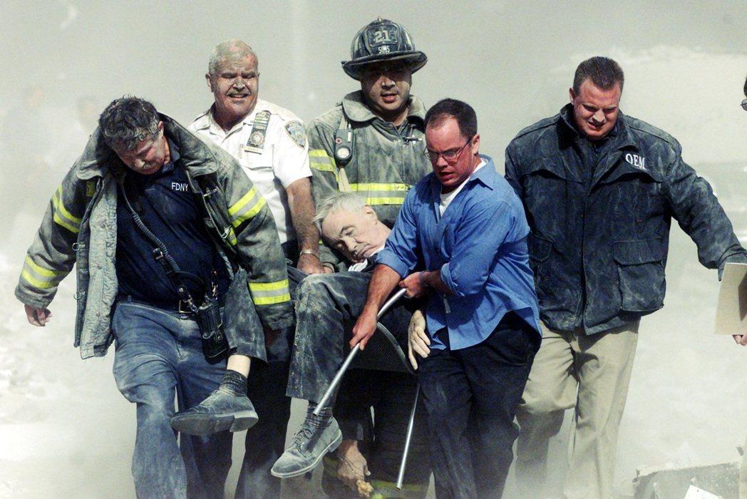 世貿雙塔的死傷人數最多,在總共死亡的2,996人中,91.8%的罹難者都死於曼哈...