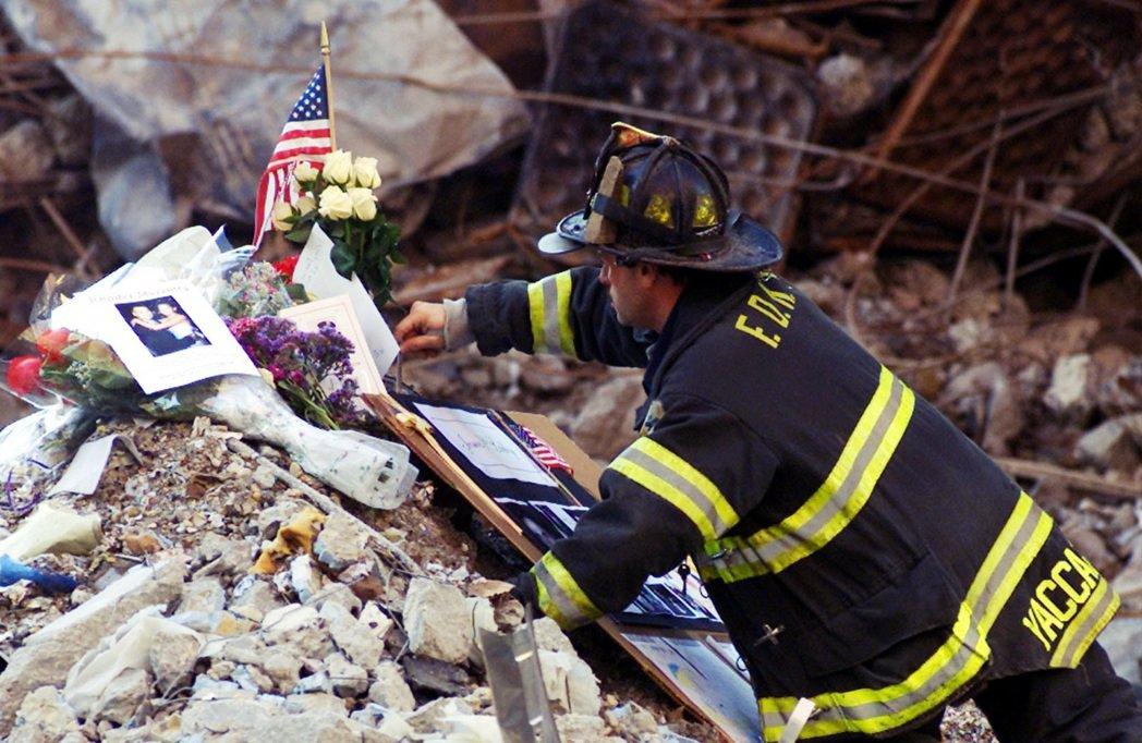 在此地死去的2,753人中,還有40%的罹難者始終找不到遺體。在歷年的重建工程中...