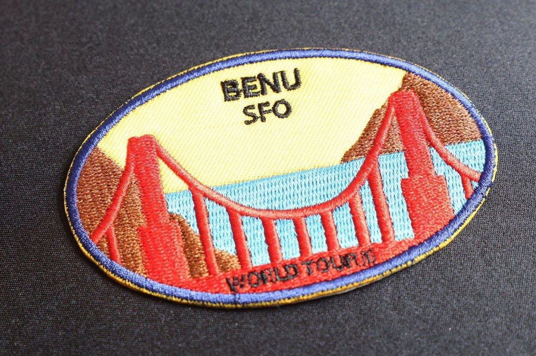 刺繡臂章以舊金山大橋,代表位於美國舊金山三星餐廳BENU。記者王聰賢/攝影。