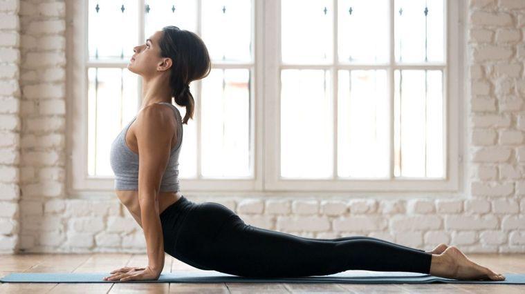 流動瑜珈有助身心靈放鬆。(圖/Canva)