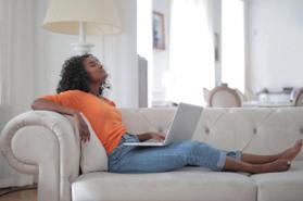 骨盆前傾怎麼辦!專家親授矯正瘦身操,75%女性骨盆影響小腹突出,每天三分鐘擺脫小腹婆