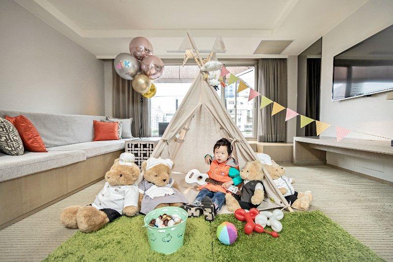 秋日親子航程住宿3天2夜加贈房內帳篷布置。 台北晶華/提供