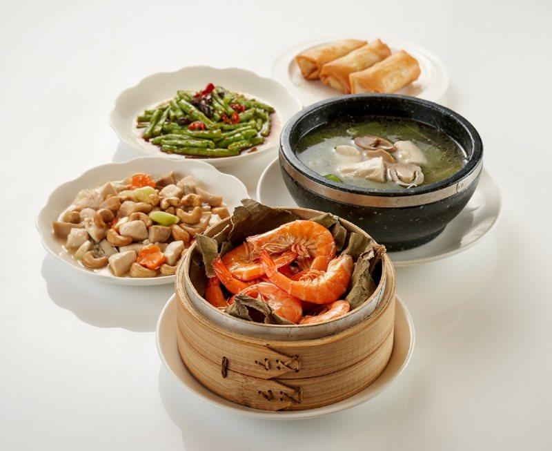珍珠坊的經典三人合菜。 台北福華/提供