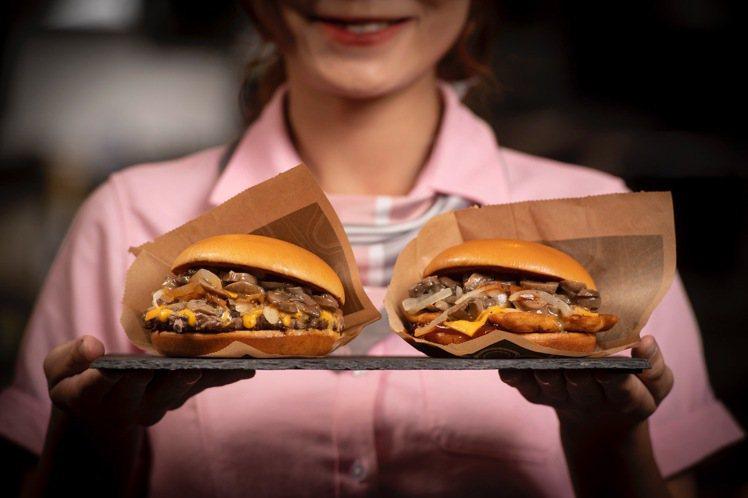 松露蕈菇安格斯黑牛堡、松露蕈菇嫩煎雞腿堡,單點每份124元。圖/麥當勞提供