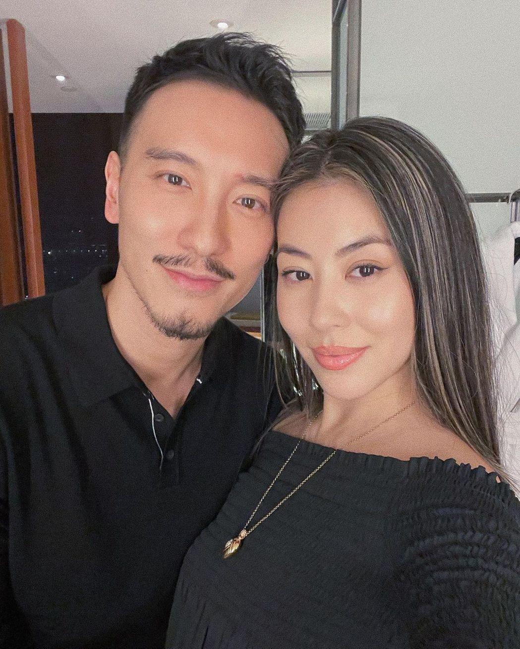 蔡詩芸(右)和老公王陽明常常放閃。圖/摘自IG
