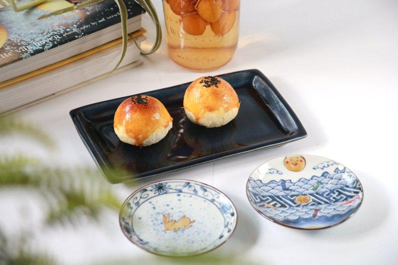 陳耀訓・麵包埠蛋黃酥近年造成搶購熱潮。圖/業者提供
