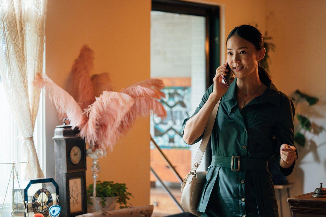 鍾瑶在「何百芮的地獄毒白」演出郭書瑤的閨蜜。圖/彼此影業提供
