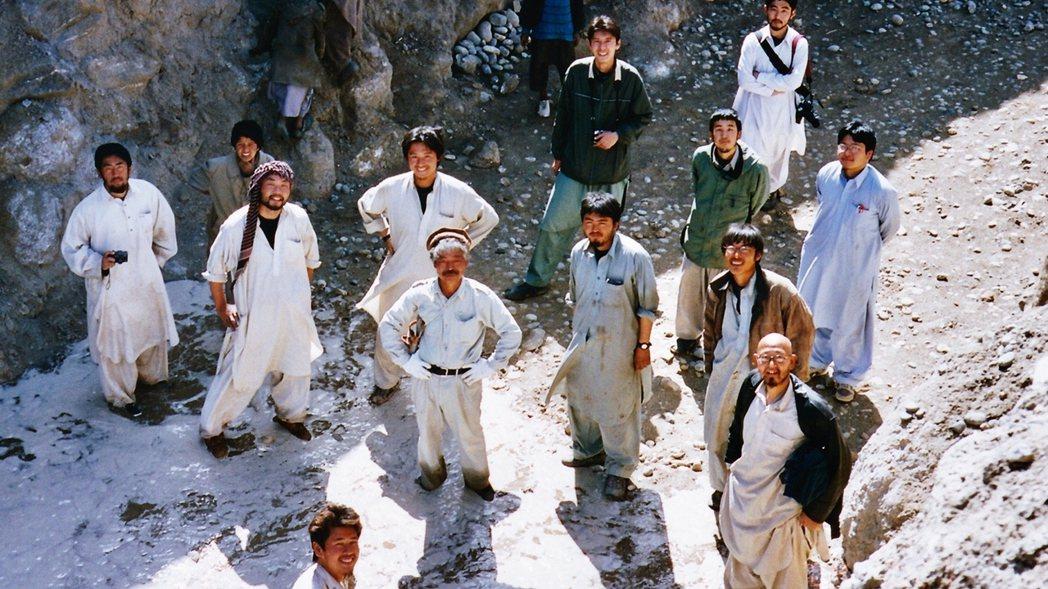 中村醫師向來從阿富汗人民的角度出發,力陳阿富汗人在大國與周邊各國長年介入下,受害...