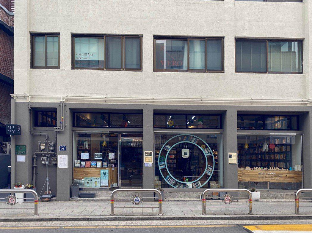 以歷史為主題的獨立小書店「歷史書店」。 圖/陳信方攝影