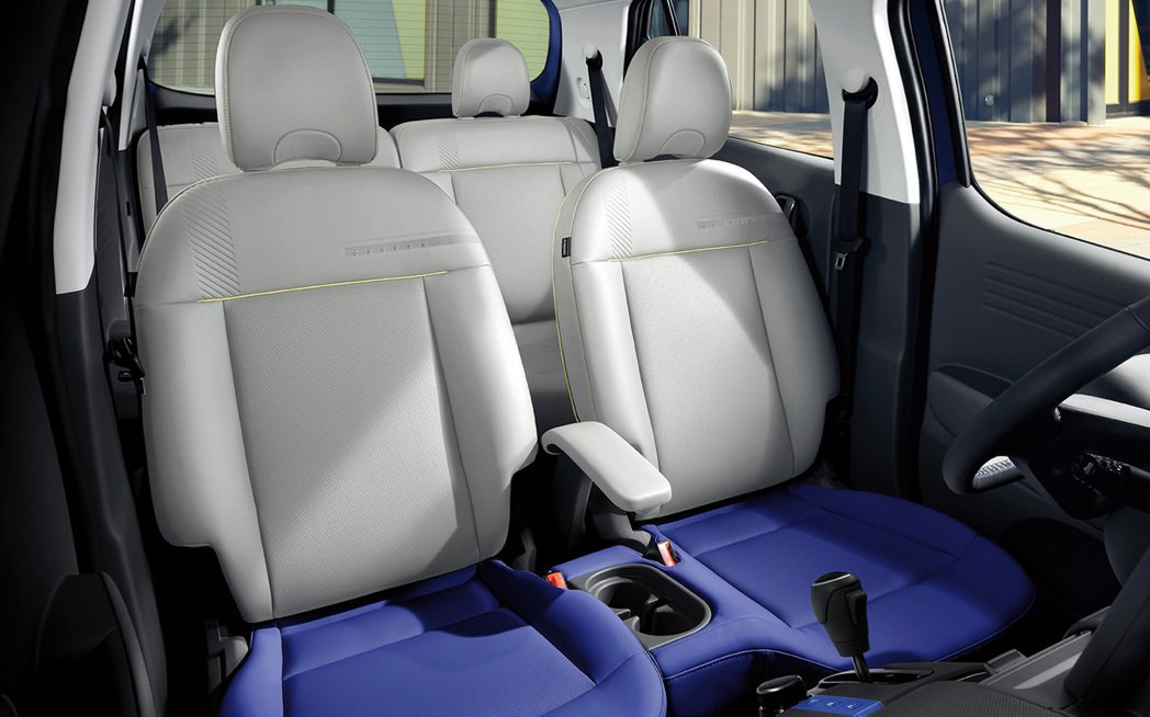 全新Hyundai Casper內裝取消中船設計,雙幅式方向盤也如同IONIQ ...