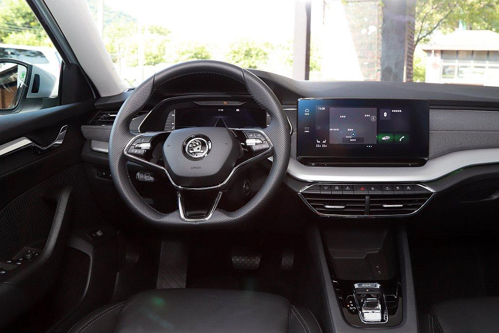 Info Sense智慧直覺數位化座艙,擁有許多首次搭載的高科技配備,如10.2...
