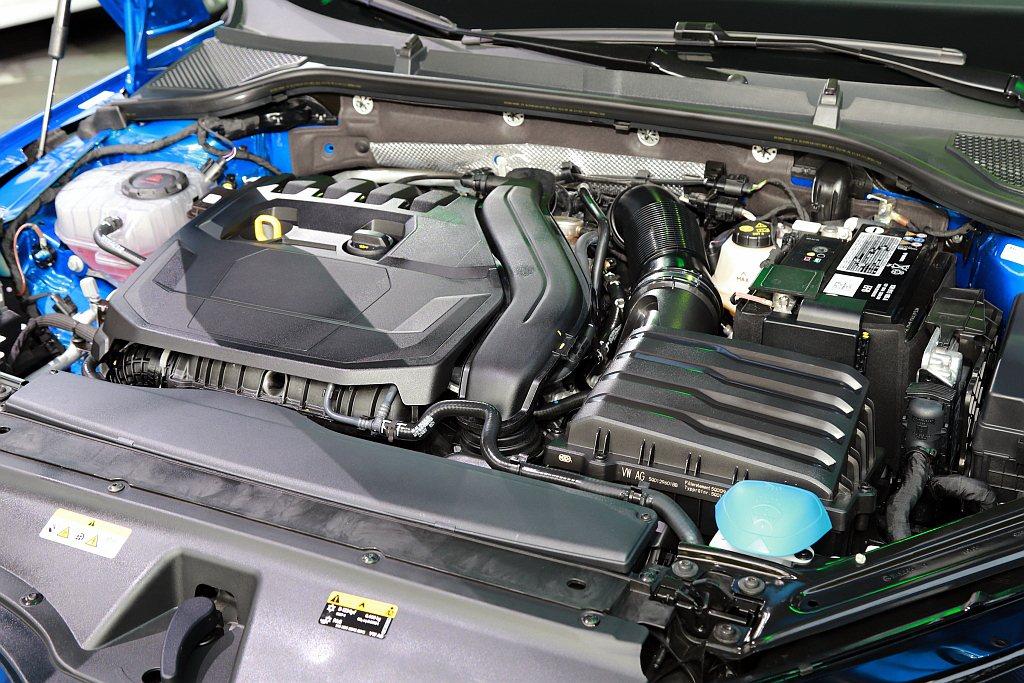 全新SKODA Octavia共配置兩具搭載48V e-TEC輕油電的1.0 T...