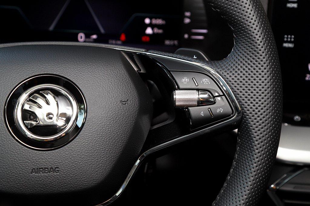 「Travel assist智慧車陣輔助系統」按鍵,涵蓋目前最完善的全速域ACC...