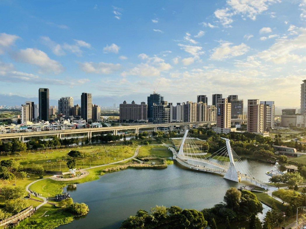 面青塘園(上圖)的青芝段146地號,標出151.3萬元單價,是本次標售的單價、溢...